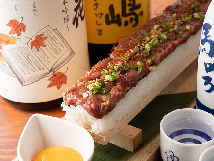 桜肉のユッケ寿司
